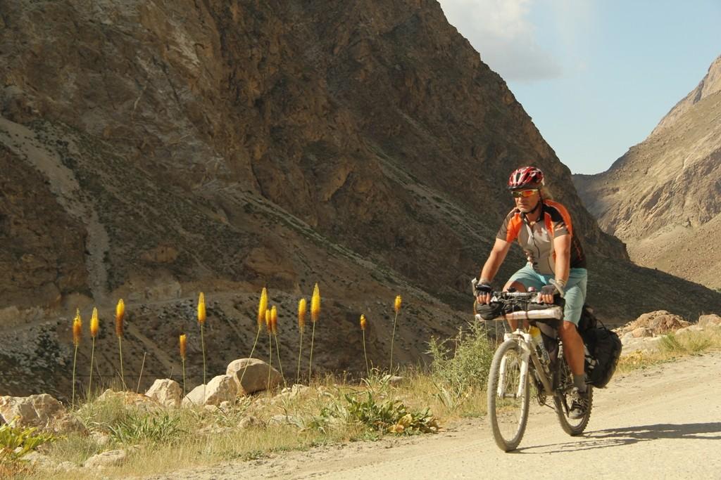Na kole v Tádžikistánu