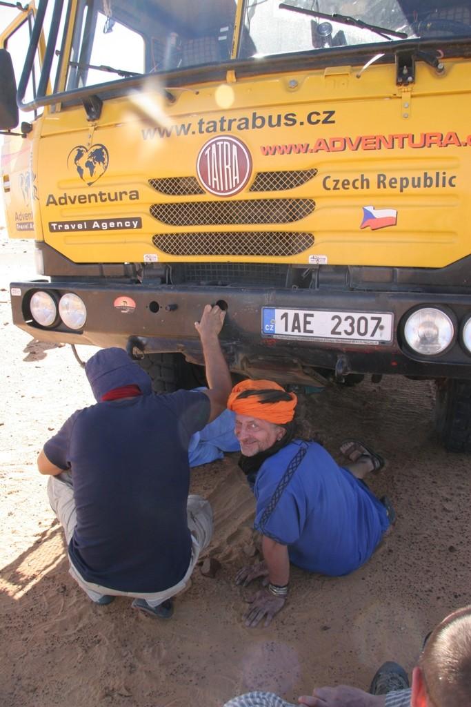 Jako řidič a mechanik Tatrabusu CK Adventura v Mauretánii