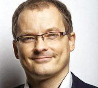 Vladimír Pikora: Přelidněné destinace by měly výrazně zdražit