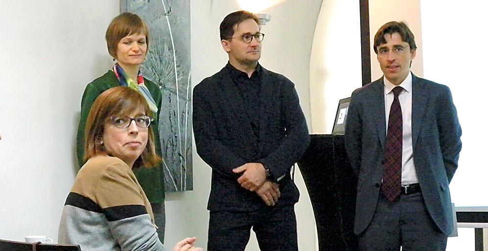 Zleva: Tereza Ortiz (v popředí), Lada Demišová, Tomáš Hubka, Carlos Romero