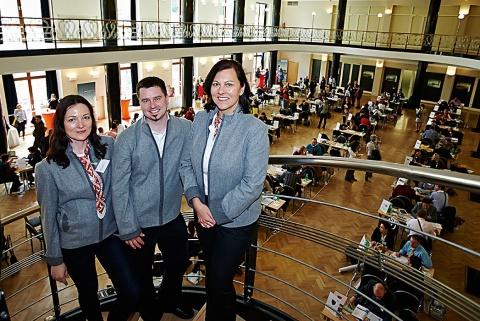 Na workshop přijelo 62 vystavovatelů. Pořadatelé (zprava) I. Sieder, J. Jachim a D. Bezchlebová. Foto: Petr Marhoul/ Österreich Werbung