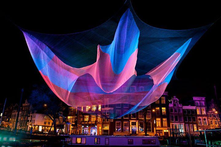 Jednou ze specialit letošního programu je vzdušná světelná socha americké umělkyně Janet Echelman. Zdroj: Festival Signal