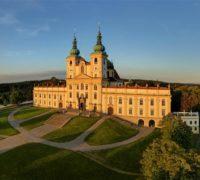 Kolik návštěvníků zavítalo do turistických cílů v ČR o prázdninách?