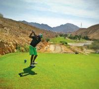 Golf v Ománu: krásná hra v krásné zemi