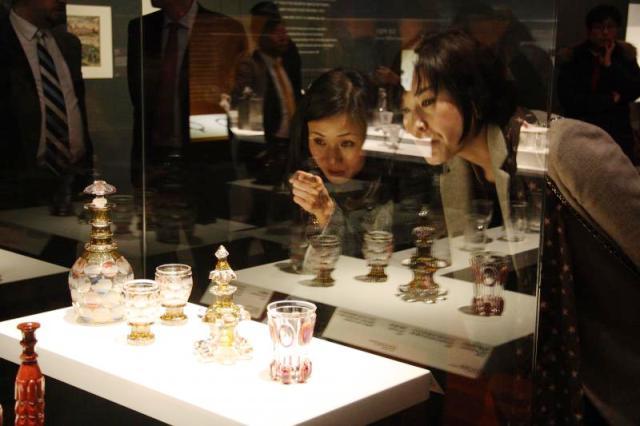 V Soulu otevřelo Národní muzeum výstavu o českém skle