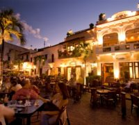 Restaurants in the Plaza Espana at dusk, Santo Domingo.