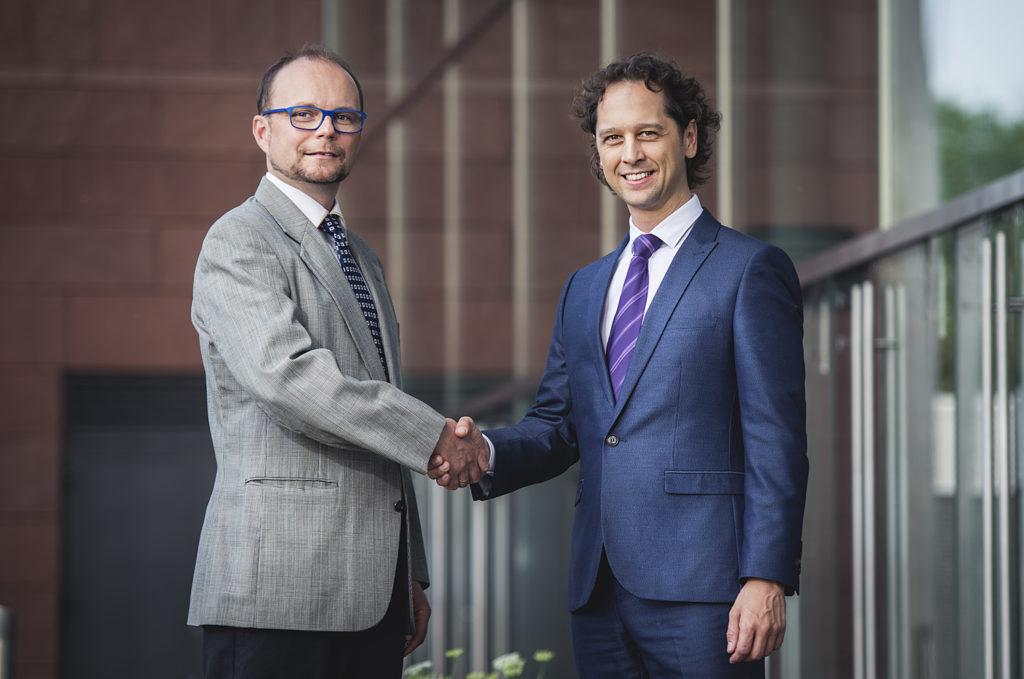 Ing. Marek Brabec (CEO, virtual-zoom) & Ing. Jaromír Pažout (Country Manažer Bookassist). Foto: Bookassist
