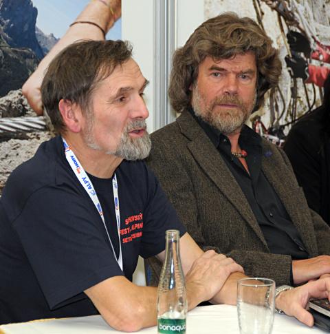 Ladislav Jirásko s (vlevo) s Reinholdem Messnerem na festivalu alpinismu Foto: Archiv pana Jirásko