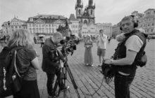 Britská BBC točila Česko ze sedla železného oře