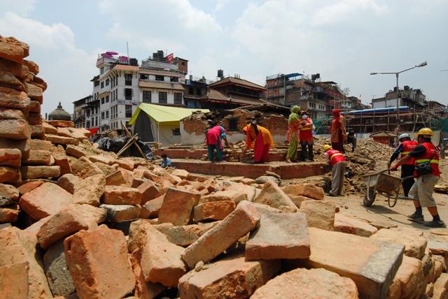 Nepál: očité svědectví měsíc poté