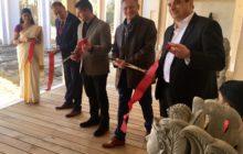 Zleva: stavbyvedoucí Jiři Tuček, architekt Jakub Tejkl, Petr Zempliner, ředitel resortu Martin Pavlíček