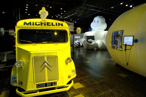 L'Aventure Michelin (Michelin man and Tub H) Foto: Auvergne Tourisme