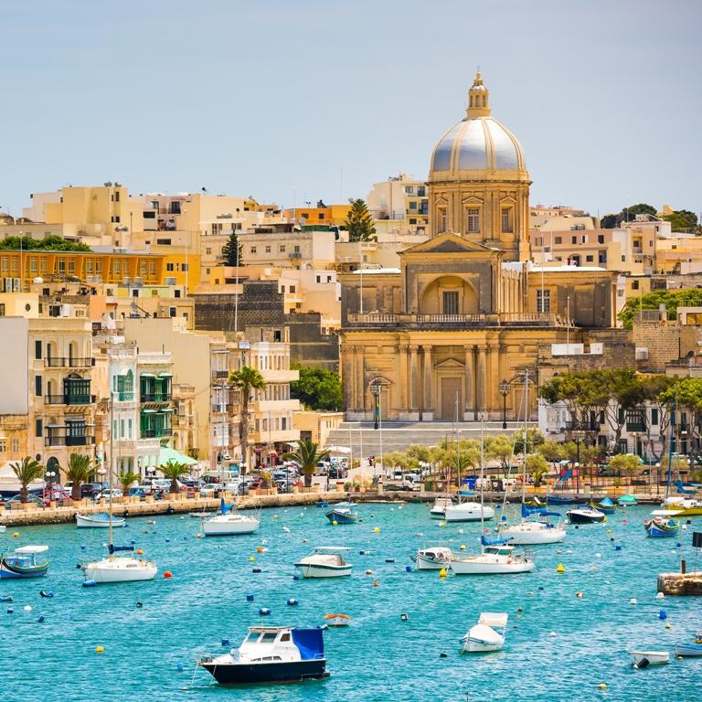 Malta - zátoka poblíž Valletty, Zdroj: Shutterstock
