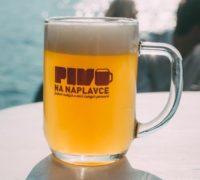 Tip na víkend: festival Pivo na Náplavce představí 55 tuzemských minipivovarů