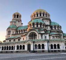 Bulharsko od 1. června otevře restaurace i divadla