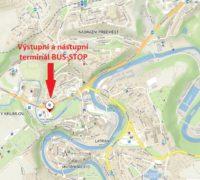 Autobusy v Krumlově budou platit za vyložení a naložení turistů