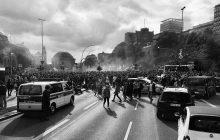 Pouliční nepokoje, napadení či loupež?  Is tím v zahraničí pomůže nové firemní cestovní pojištění