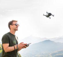 Mnozí piloti dronů neznají pravidla a nevědomky porušují zákony