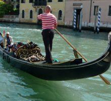 V Benátkách se na gondole sveze kvůli nadváze už jen pět pasažérů