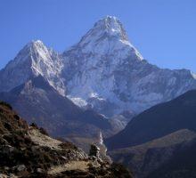 Nepál obnoví mezinárodní lety, aby posílil turistický sektor