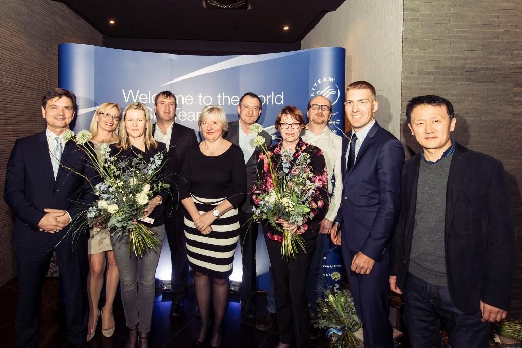 Společné foto zástupců SkyTeamu s oceněnými. Foto: archiv SkyTeam