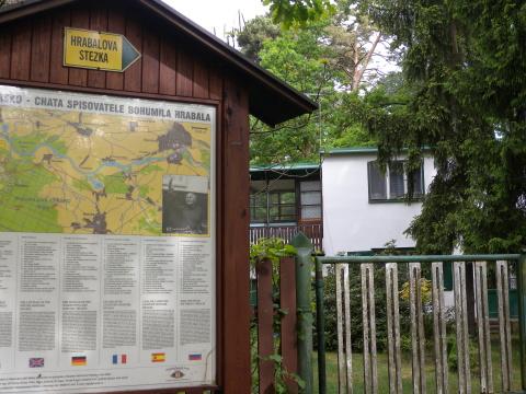 Hrabalova stezka a chata Foto: Marta Jedličková