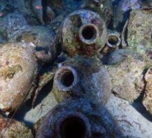 Vědci našli ve Středozemním moři 2000 let starou loď