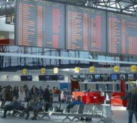 Letiště Praha odbavilo v prvním pololetí letošního roku o 5 % cestujících více než vloni
