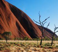 Na posvátnou horu Uluru už se nepodíváte