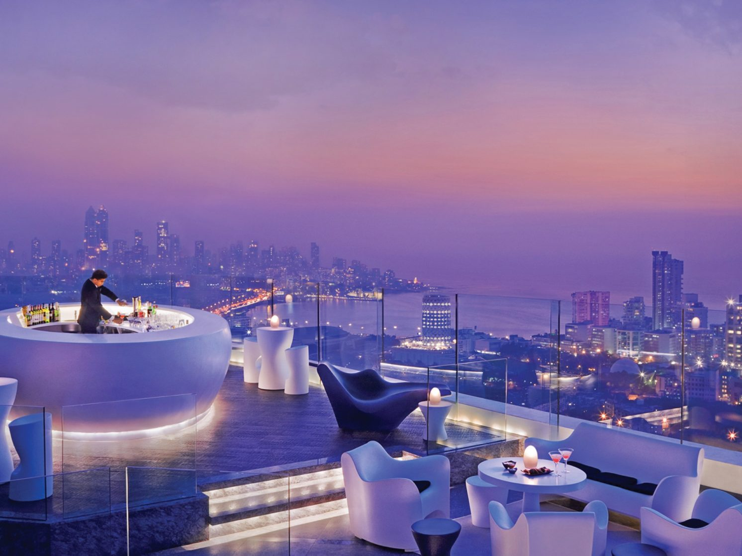 world-rooftop-bars-10-aer-lounge-cr-courtesy
